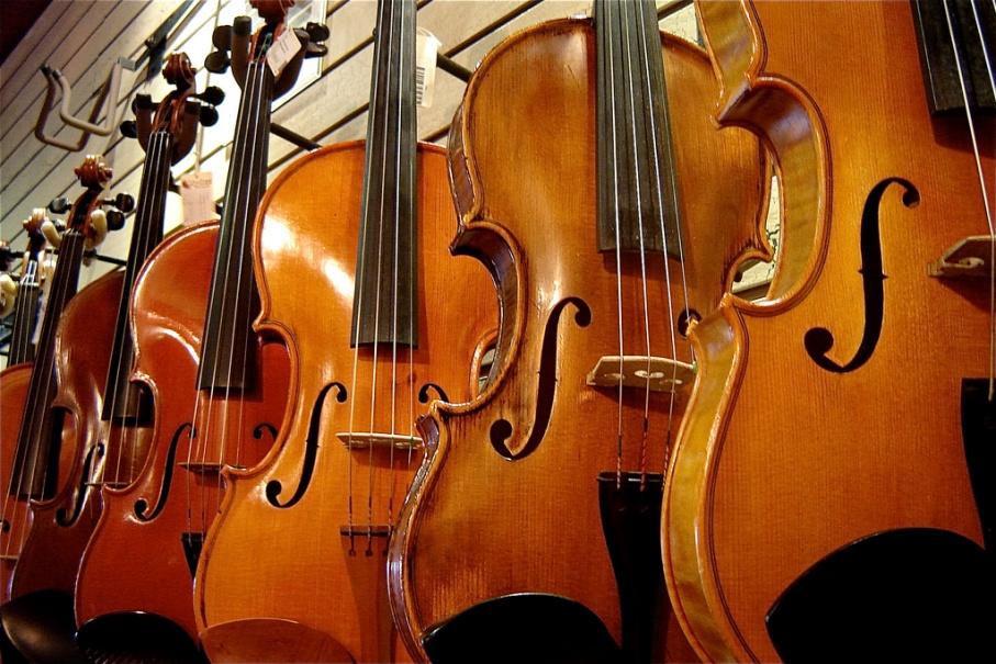 Violin Shop | Flickr